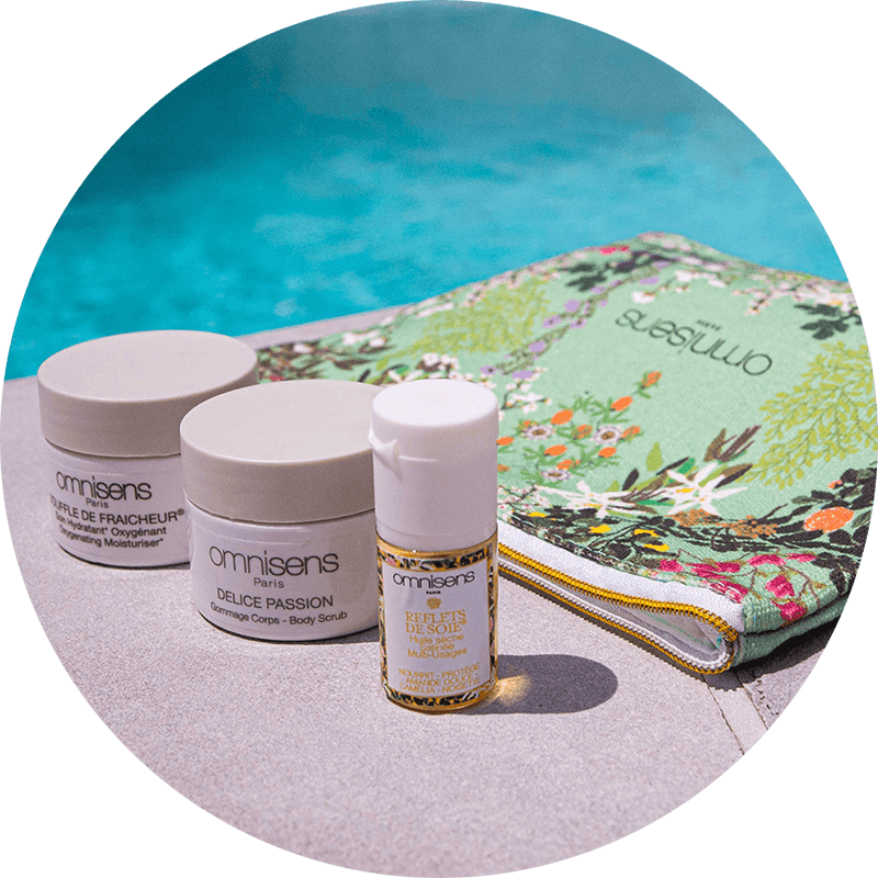 The kit and its minis: the summer routine One pouch with floral print Jardin des Sens (16.5 x 18.5 cm) + 3 minis 30 ml     - OMN